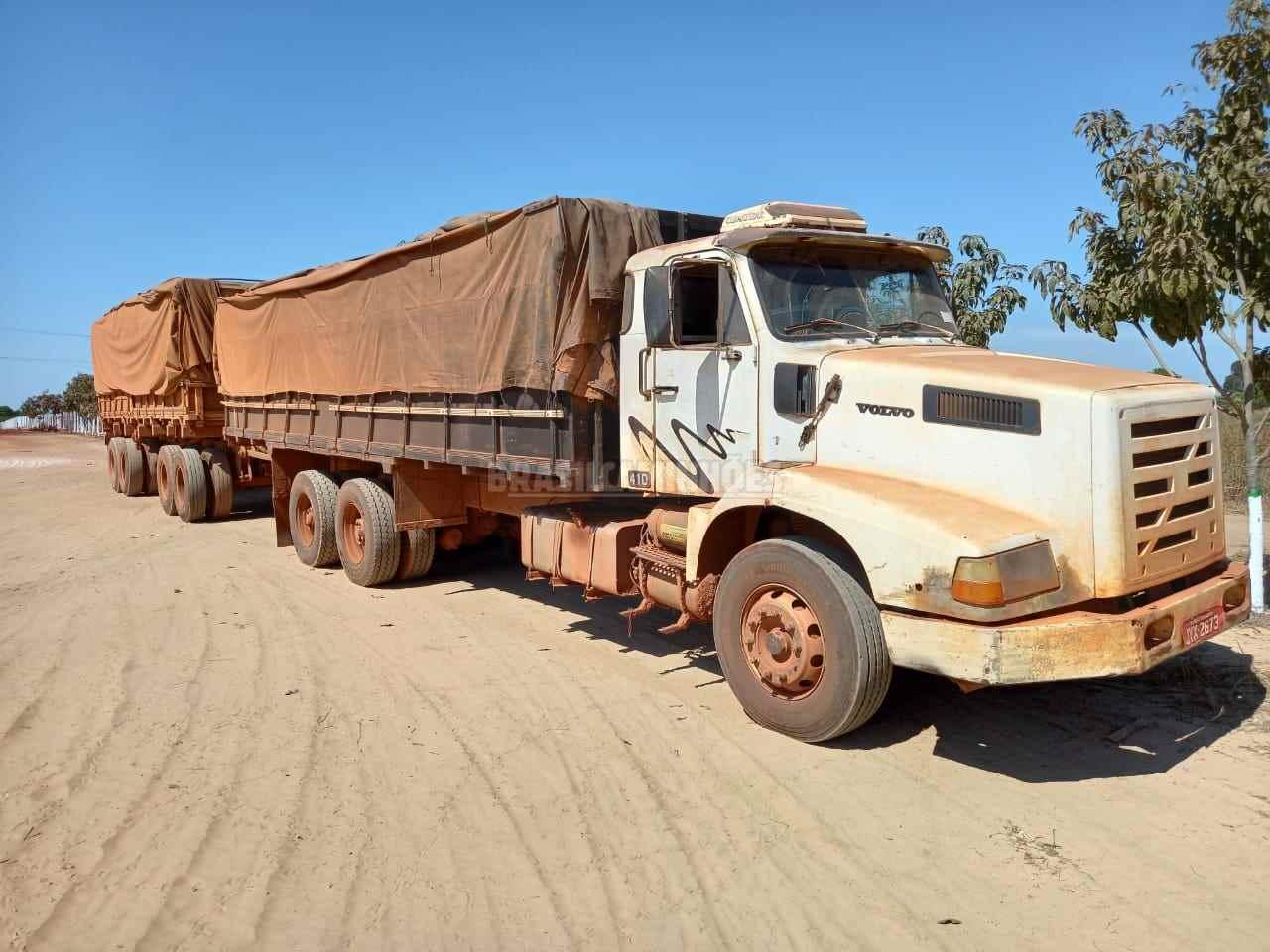 CAMINHAO VOLVO VOLVO NL12 410 Carga Seca Traçado 6x4 Brasil Caminhões Sinop SINOP MATO GROSSO MT