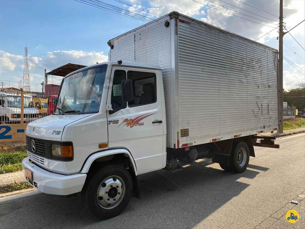 CAMINHAO MERCEDES-BENZ MB 710 Baú Furgão 3/4 4x2 Rota 61 Veículos JUNDIAI SÃO PAULO SP