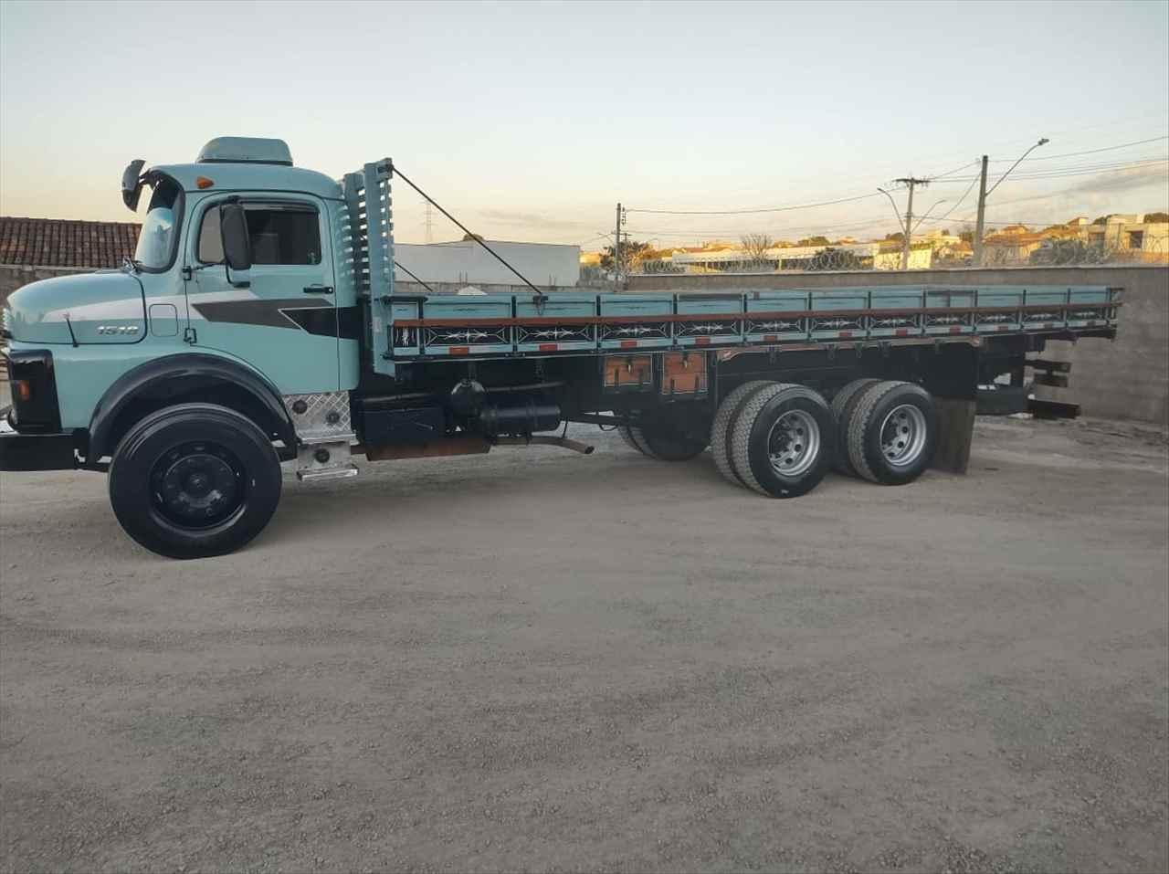 CAMINHAO MERCEDES-BENZ MB 1518 Carga Seca Truck 6x2 Cotral Caminhões SERRA DO SALITRE MINAS GERAIS MG