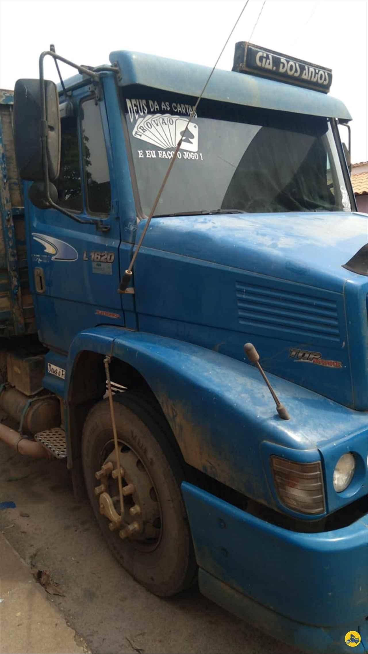 CAMINHAO MERCEDES-BENZ MB 1620 Graneleiro Truck 6x2 Cotral Caminhões SERRA DO SALITRE MINAS GERAIS MG