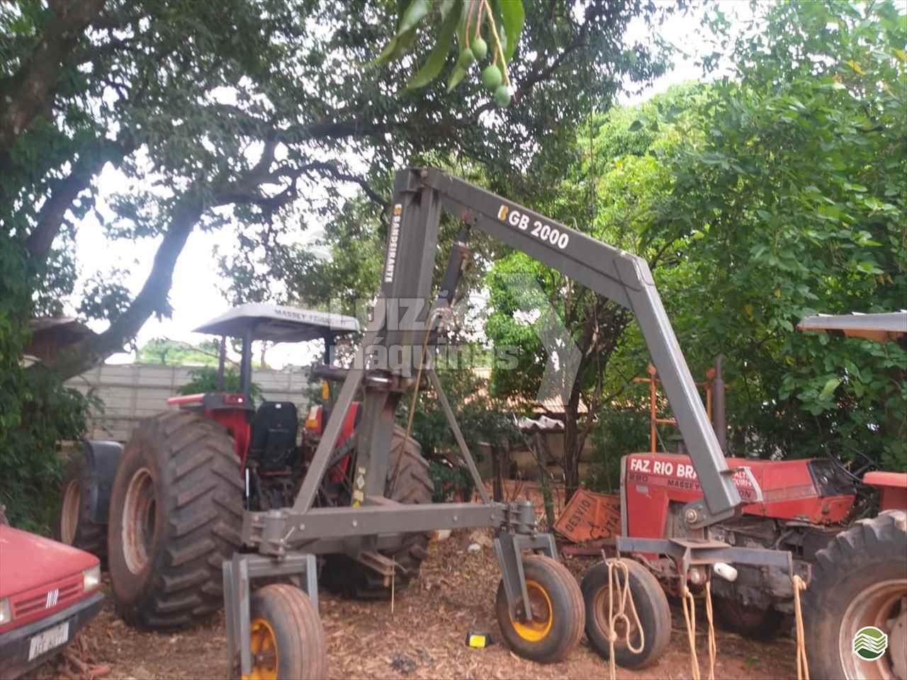IMPLEMENTOS AGRICOLAS GUINCHO BIG BAG GUINCHO 2000 Kg Luizão Máquinas Agrícolas UMUARAMA PARANÁ PR