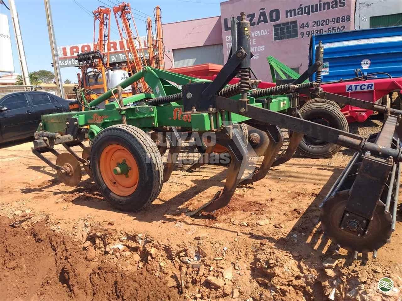 IMPLEMENTOS AGRICOLAS SUBSOLADOR 5 HASTES DISCO CORTE Luizão Máquinas Agrícolas UMUARAMA PARANÁ PR