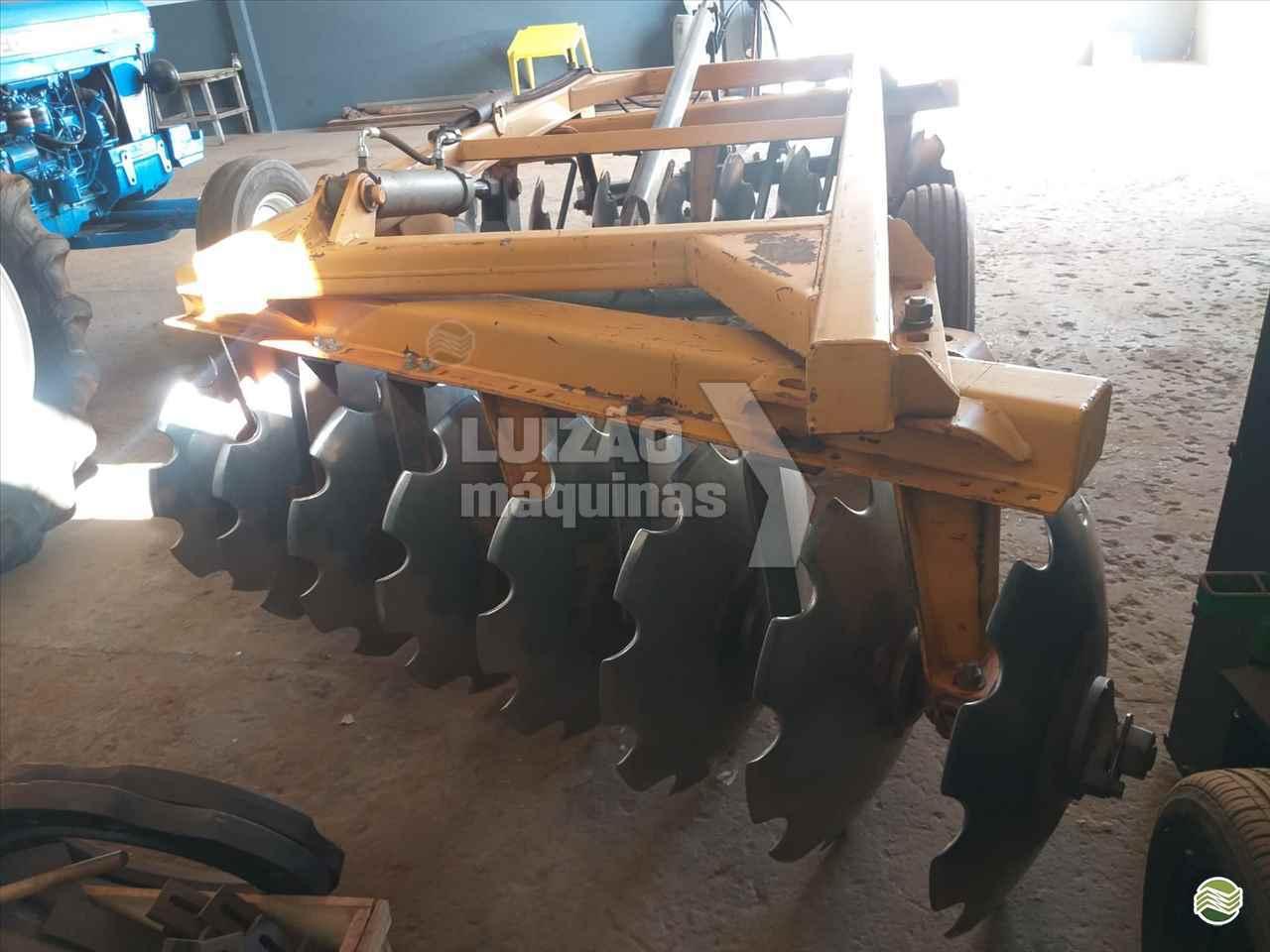 ARADORA 16 DISCOS de Luizão Máquinas Agrícolas - UMUARAMA/PR