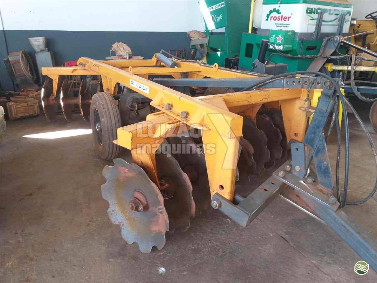 ARADORA 18 DISCOS de Luizão Máquinas Agrícolas - UMUARAMA/PR