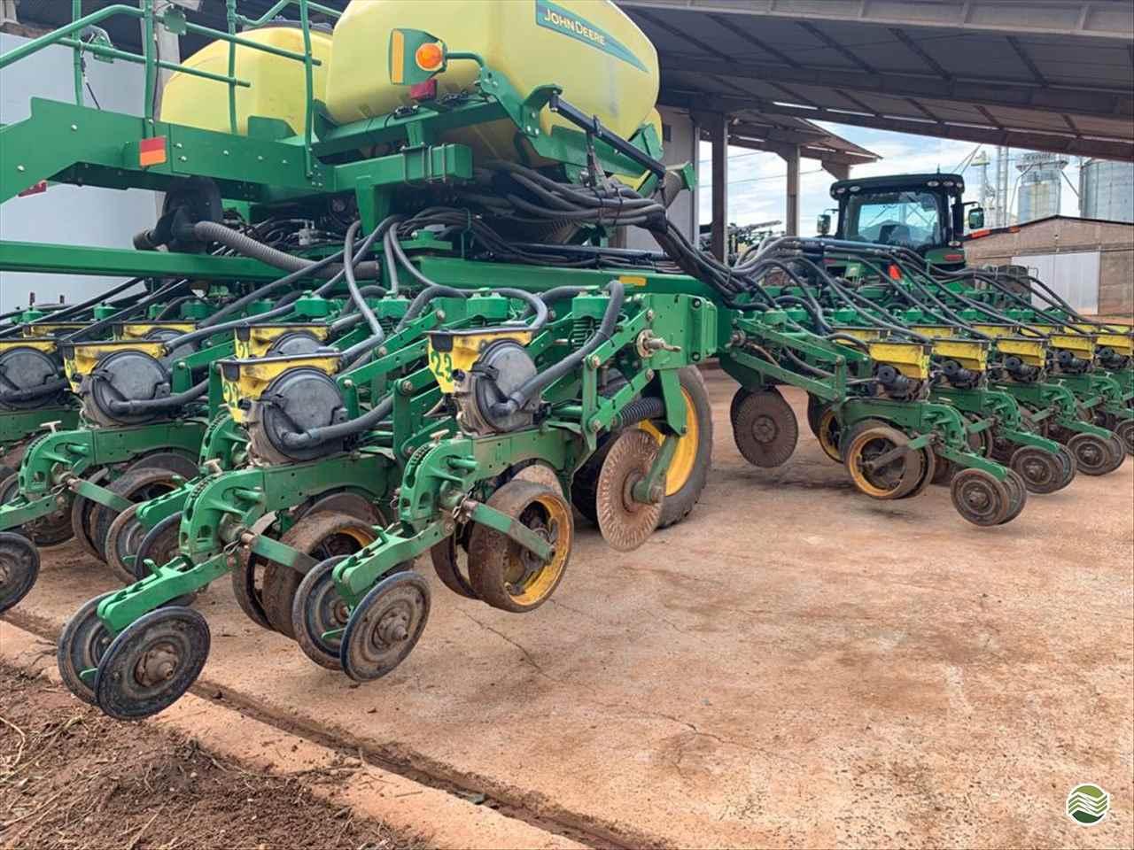 JOHN DEERE PLANTADEIRAS DB40  2015/2015 Agro Usados RV