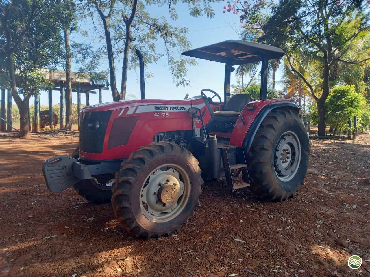 TRATOR MASSEY FERGUSON MF 4275 Tração 4x4 LR Máquinas MIGUELOPOLIS SÃO PAULO SP