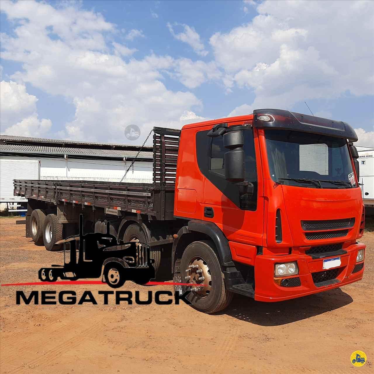 CAMINHAO IVECO TECTOR 240E25 Carga Seca BiTruck 8x2 Megatruck Caminhões e Máquinas CAMPO GRANDE MATO GROSSO DO SUL MS