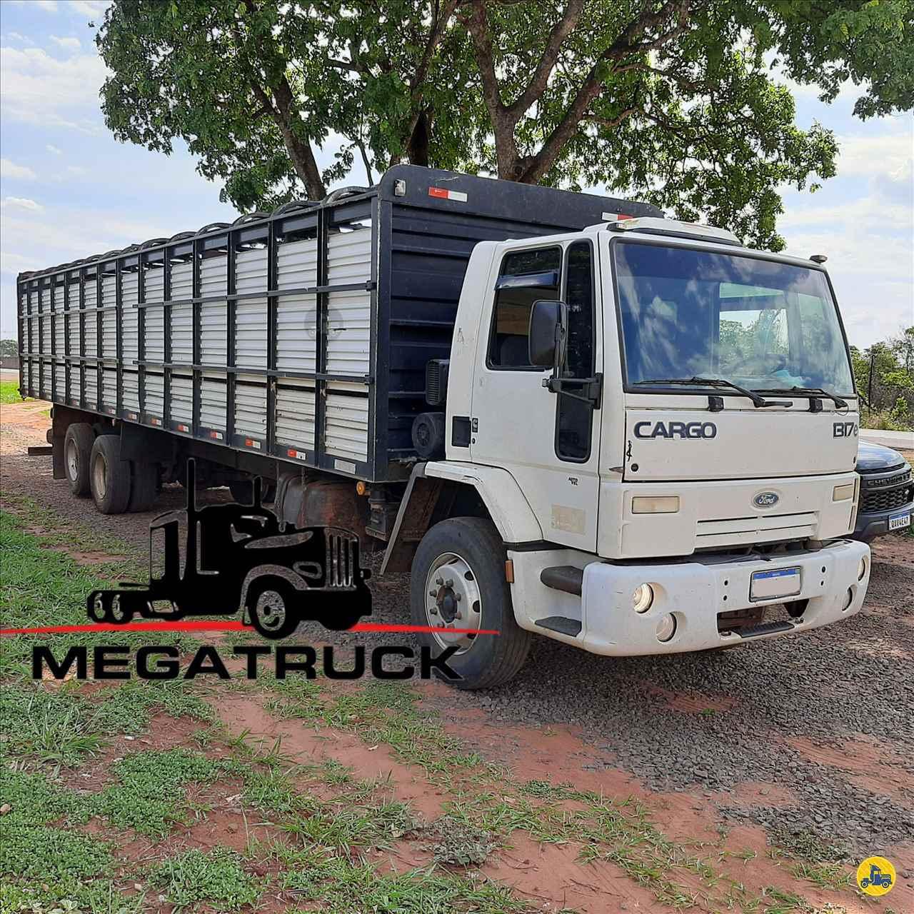 CAMINHAO FORD CARGO 1317 Boiadeiro Truck 6x2 Megatruck Caminhões e Máquinas CAMPO GRANDE MATO GROSSO DO SUL MS