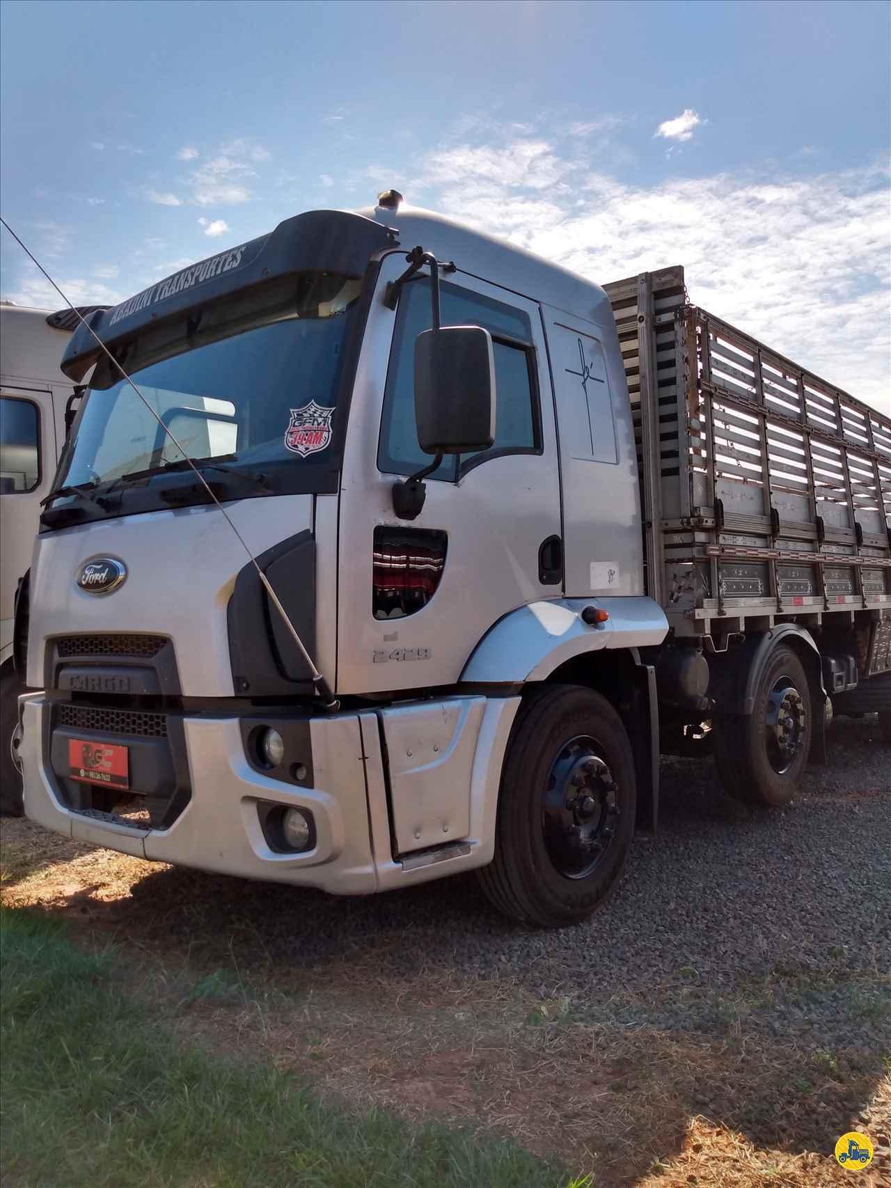 CAMINHAO FORD CARGO 2429 Graneleiro BiTruck 8x2 Gazola Caminhões São José do Rio Preto SÃO PAULO SP