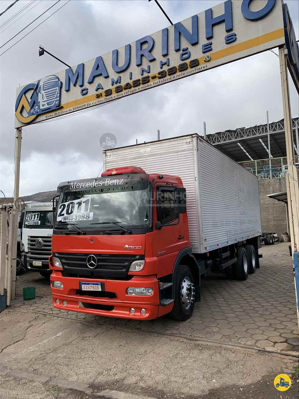 CAMINHAO MERCEDES-BENZ MB 2425 Baú Furgão Truck 6x2 Maurinho Caminhões JOAO MONLEVADE MINAS GERAIS MG