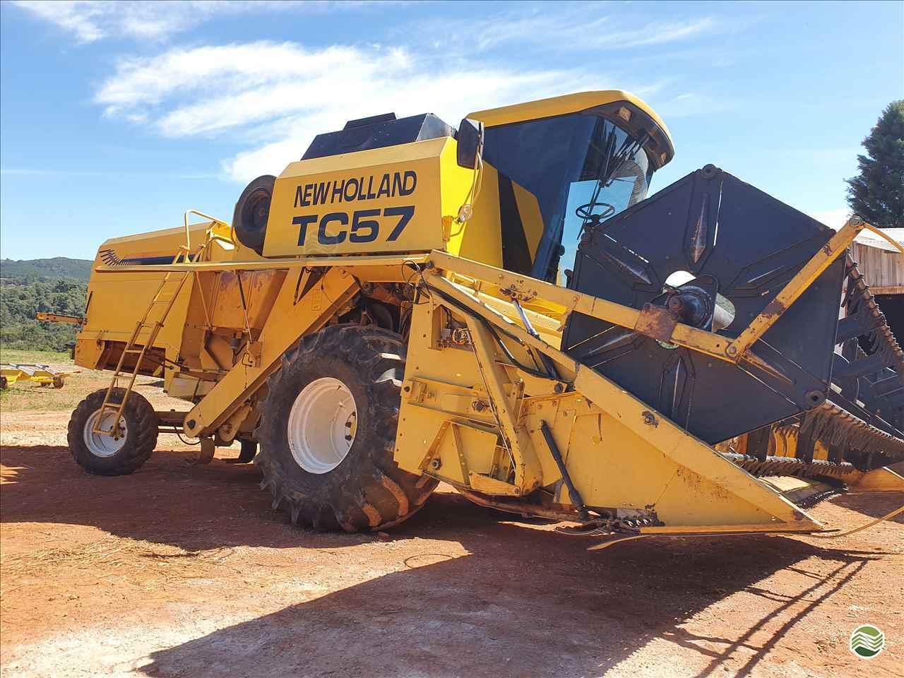 COLHEITADEIRA NEW HOLLAND TC 57 Trator Castro CASTRO PARANÁ PR