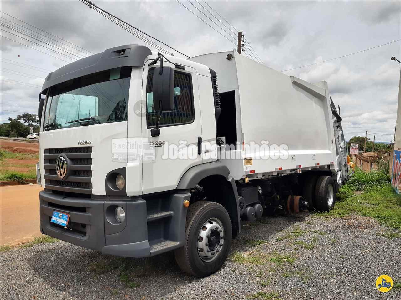 CAMINHAO VOLKSWAGEN VW 17280 Coletor de Lixo Truck 6x2 João Caminhões BRASILIA DISTRITO FEDERAL DF