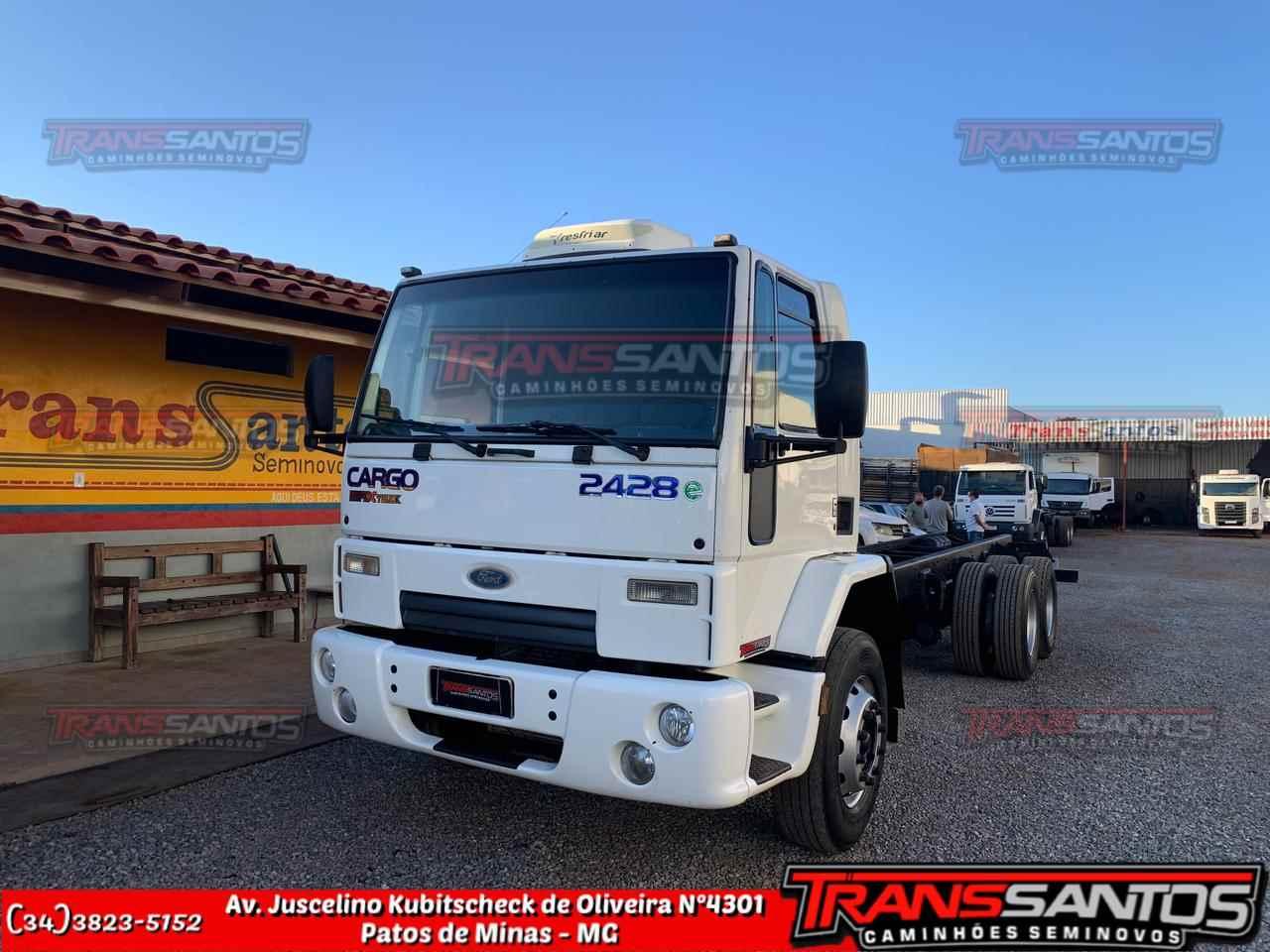 CAMINHAO FORD CARGO 2428 Chassis Truck 6x2 TransSantos Seminovos PATOS DE MINAS MINAS GERAIS MG