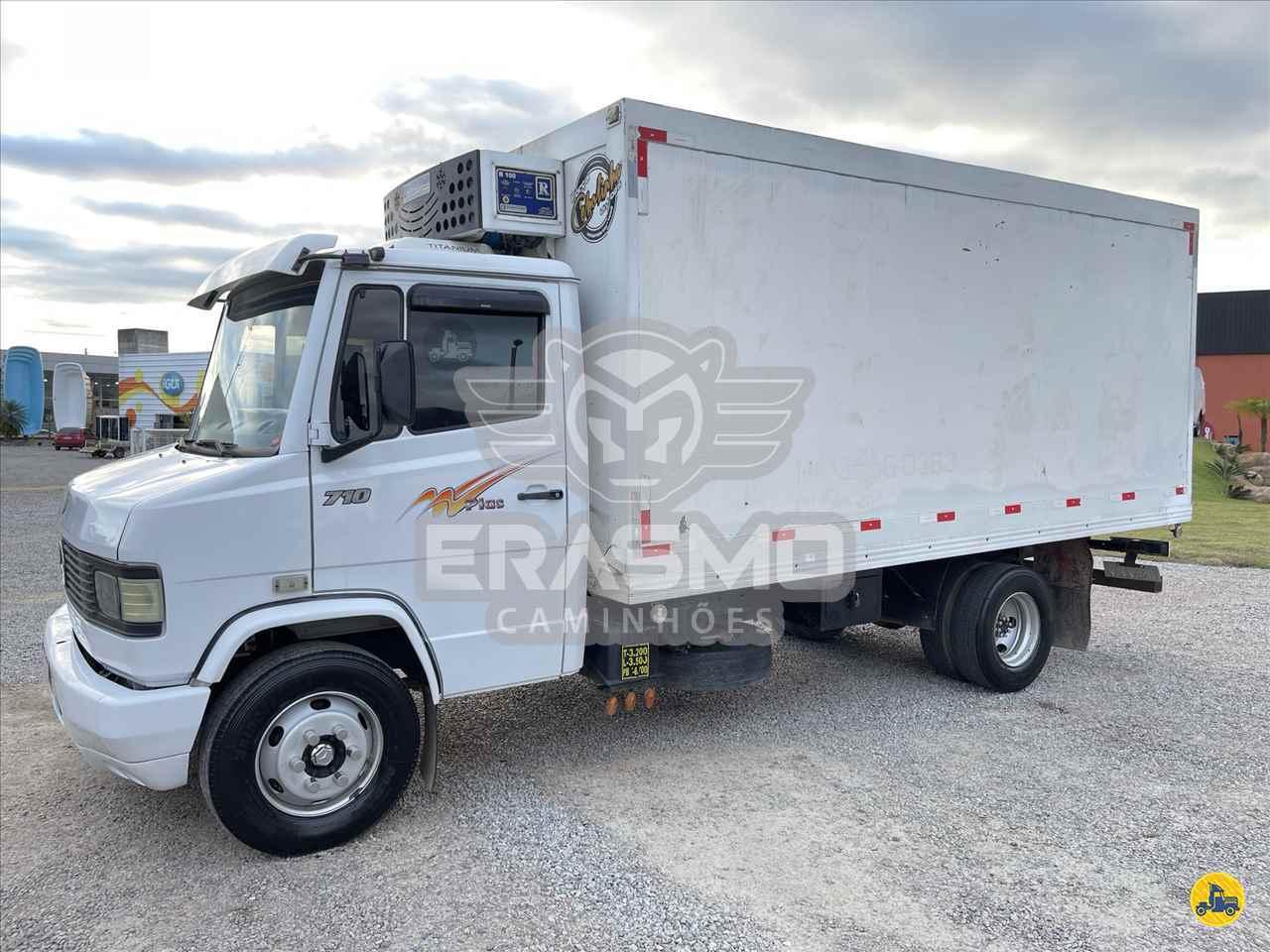 MB 710 de Erasmo Caminhões - TUBARAO/SC