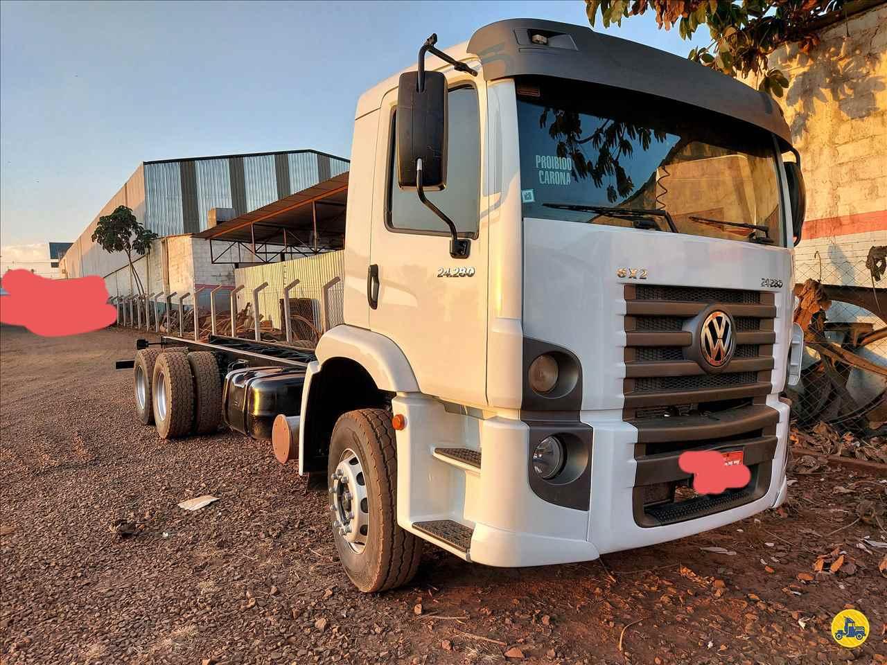 CAMINHAO VOLKSWAGEN VW 24280 Chassis Truck 6x2 Usados Rio Verde Caminhões e Carretas RIO VERDE GOIAS GO
