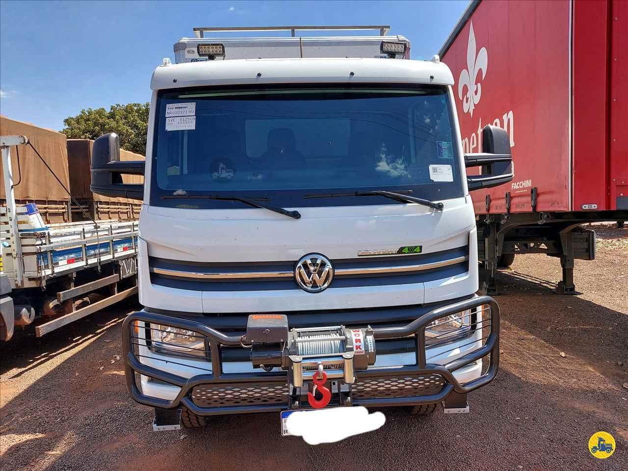CAMINHAO VOLKSWAGEN VW 11180 Baú Furgão 3/4 4x4 Usados Rio Verde Caminhões e Carretas RIO VERDE GOIAS GO