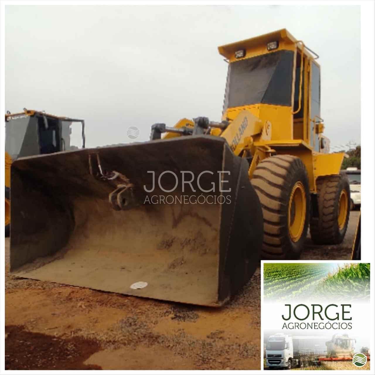PA CARREGADEIRA NEW HOLLAND 12B Jorge Agronegócios NOVA PONTE MINAS GERAIS MG