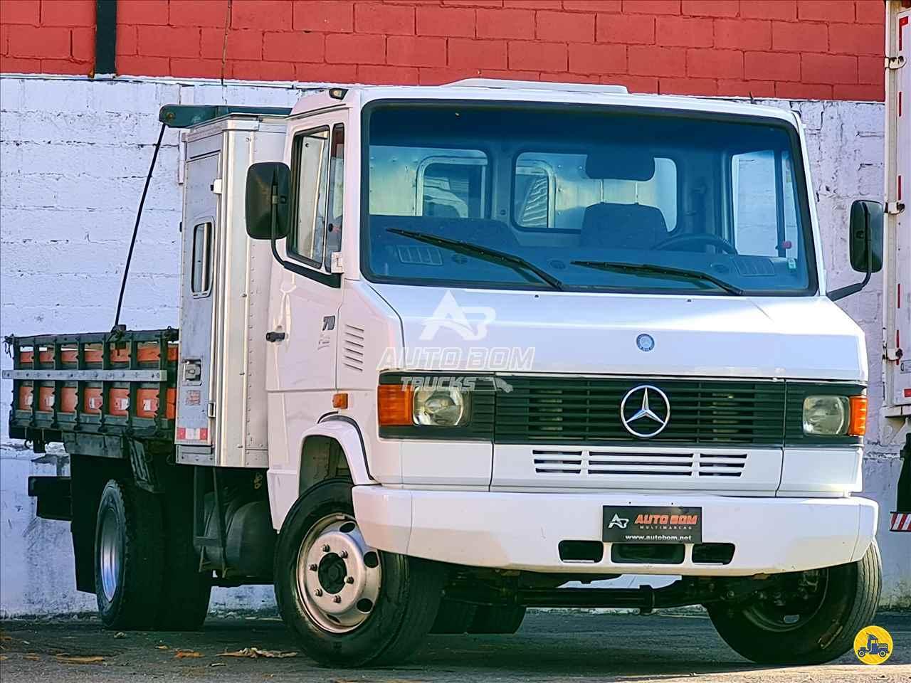 CAMINHAO MERCEDES-BENZ MB 710 Carroceria Cabine Suplementar Toco 4x4 Autobom Trucks CONTAGEM MINAS GERAIS MG