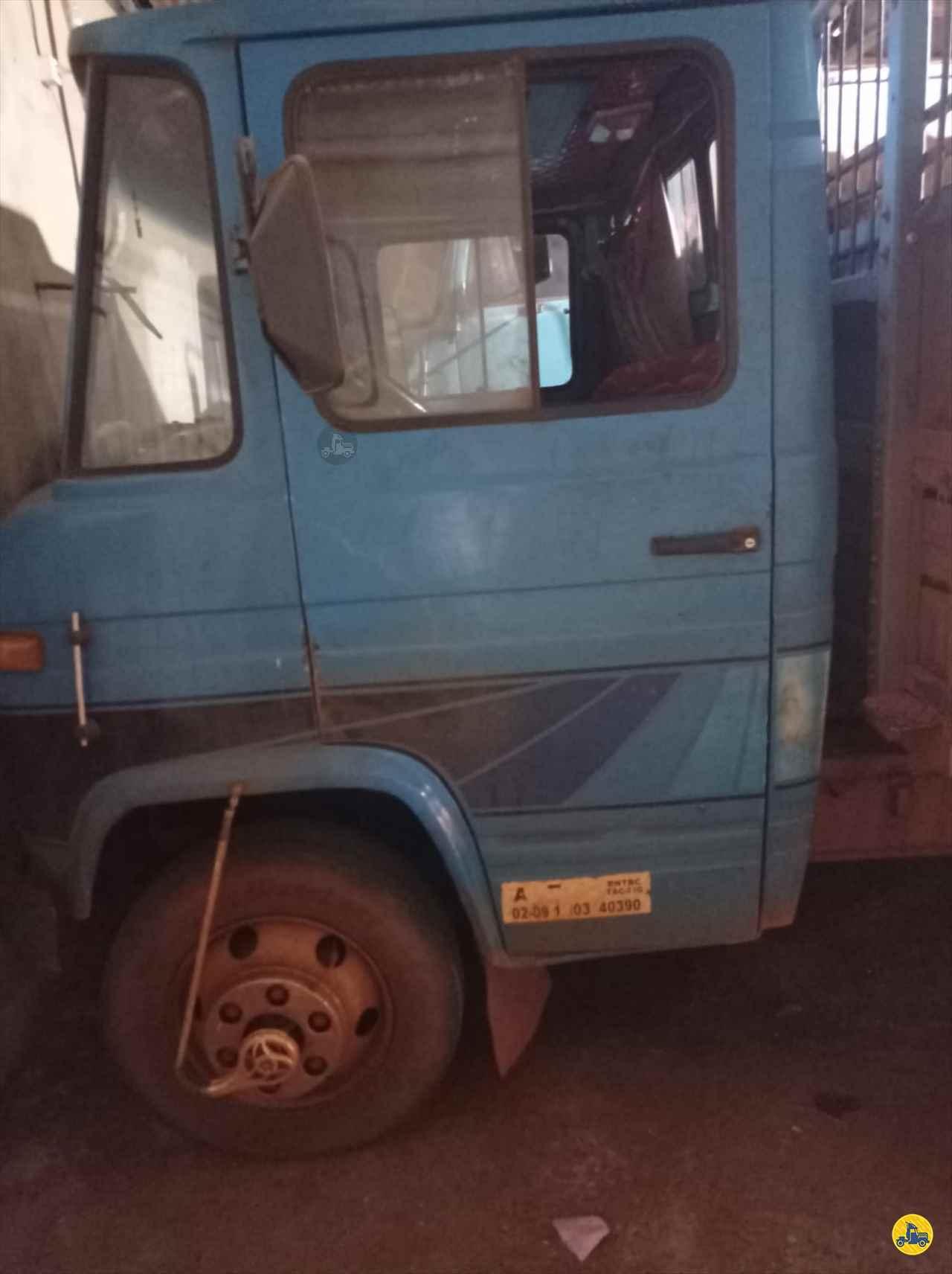 CAMINHAO MERCEDES-BENZ MB 608 Porssionatto Caminhões RIO VERDE GOIAS GO