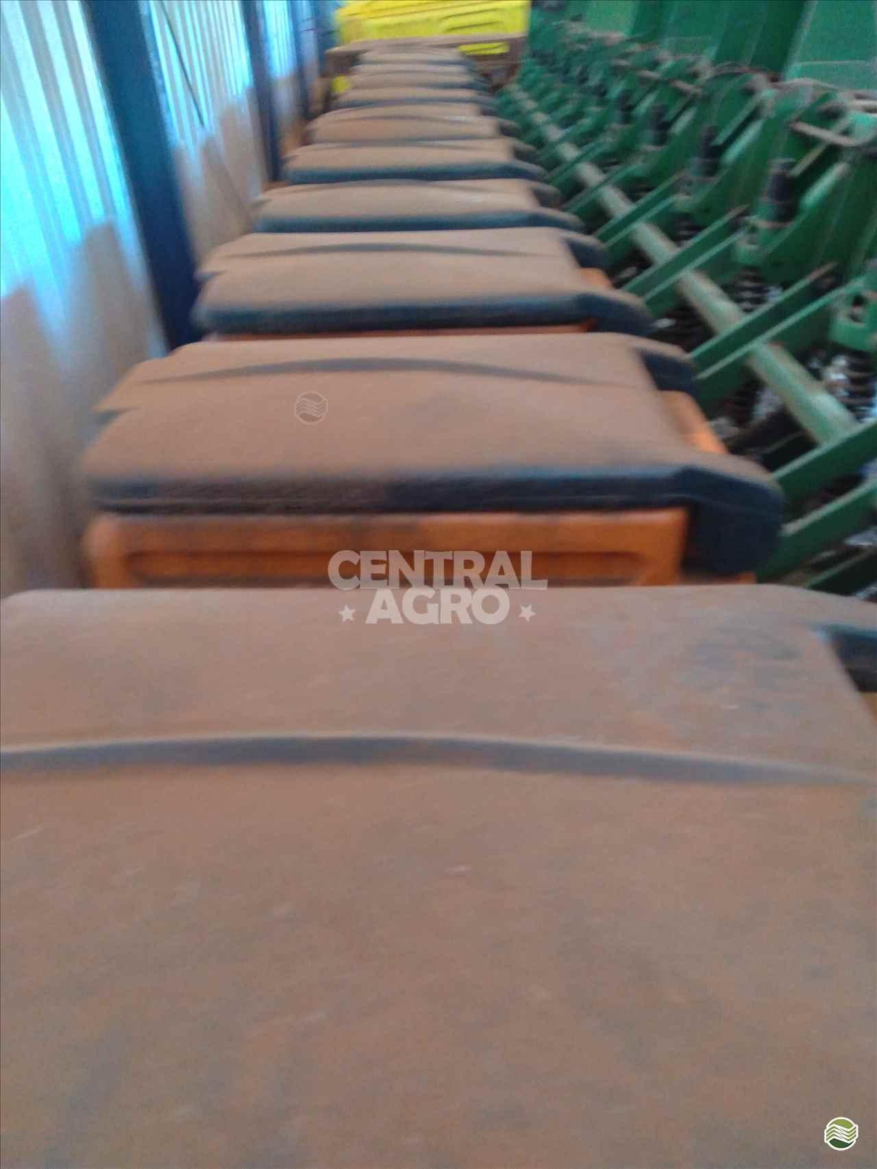 STARA HY-TECH SS 12000  2004/2004 Central Agro