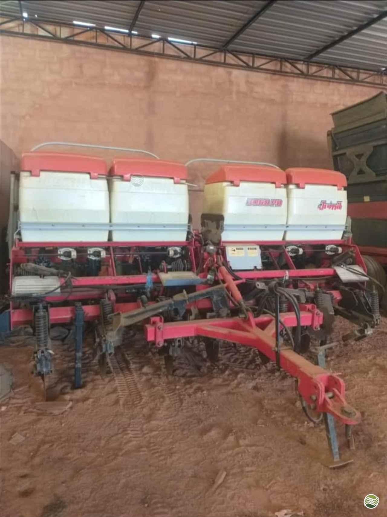 PLANTADEIRA JUMIL JM 3060 Gerominho Implementos Agrícolas UBERLANDIA MINAS GERAIS MG