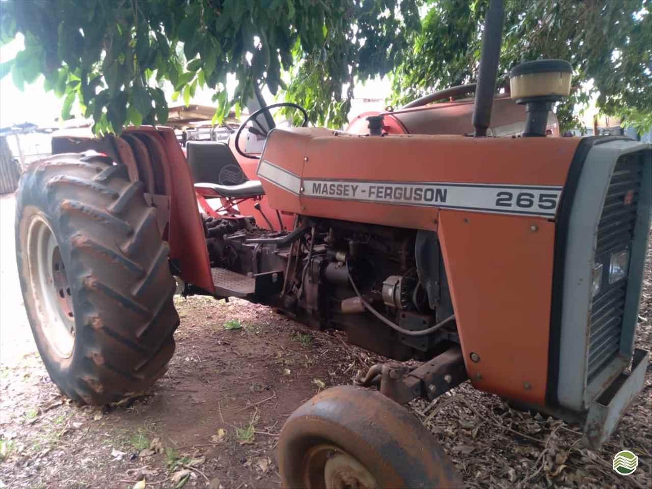 TRATOR MASSEY FERGUSON MF 265 Tração 4x2 Gerominho Implementos Agrícolas UBERLANDIA MINAS GERAIS MG
